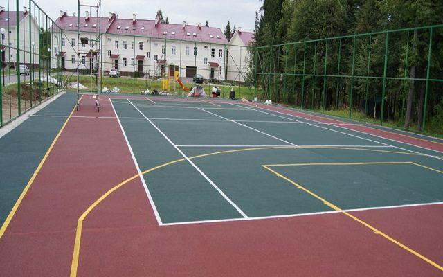 Спортивная площадка в загородном поселке Янтарный