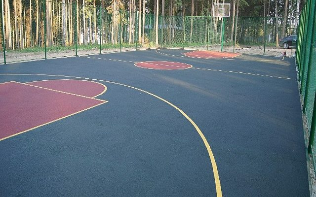 Две спортивные площадки под ключ: база «Политехник» поселок Скобелевка