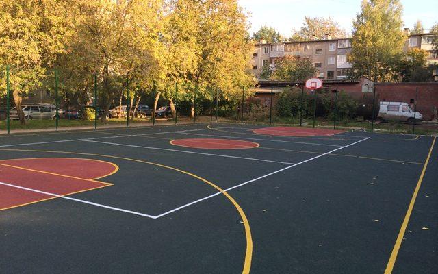Спортивная площадка на Свиязева 28