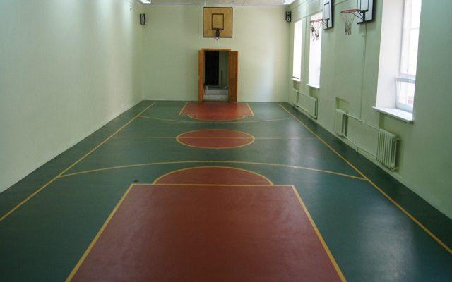 Спорт-зал в школе № 27 по улице Шишкина 18