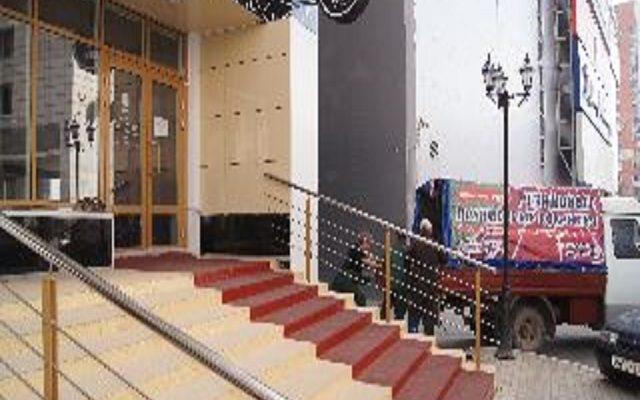 Входная группа бизнес-центр Любимов (ул. Ленина 58А)