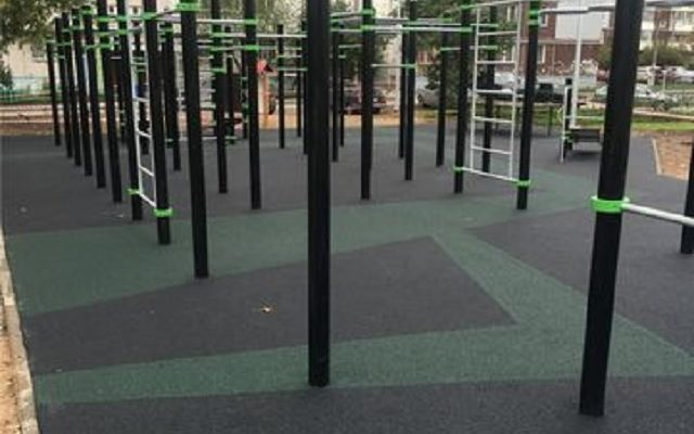 Спортивная площадка для занятия воркауд ! М-р Парковый