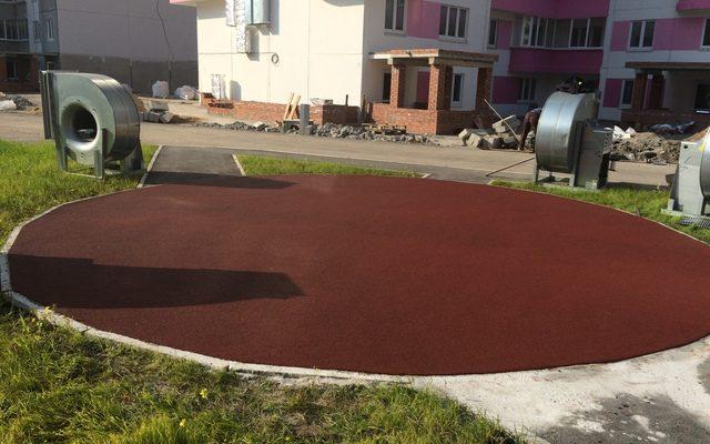 Спортивные и детские площадки нового дома по адресу Макаренко 19