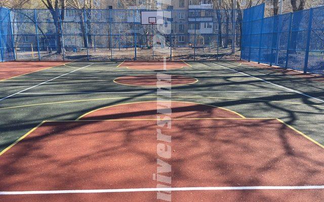 Много функциональная спортивная площадка на Охотников 28