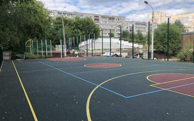 Стадион Школа №135
