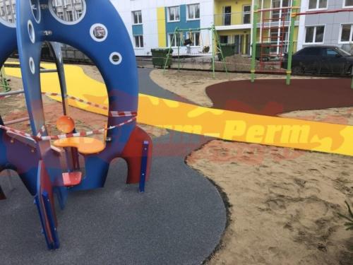 Детская и спортивная площадки, Южная дамба 74в