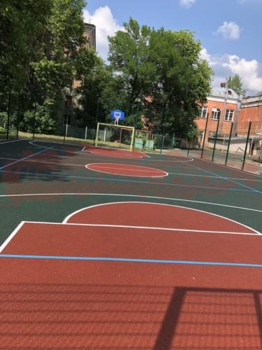 Спортивная площадка у школы №77