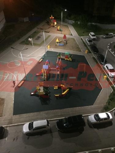 Детская площадка, Беляева 8
