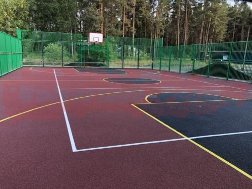 Спортивная площадка в Балатовском парке