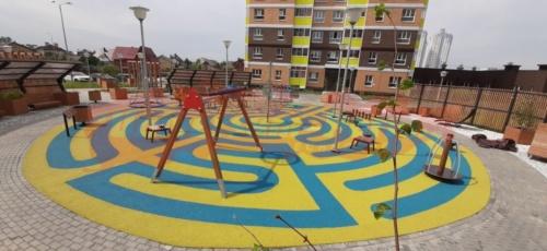 Жилой комплекс «Спортивный город», детская площадка, м-р Ива