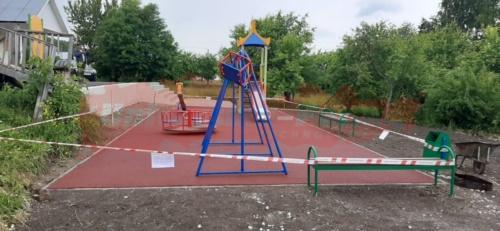 Детская площадка, посёлок Ключи